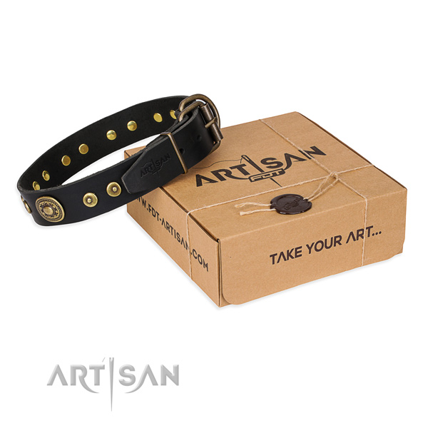 Natural genuine leather dog collar made of top rate material with rust-proof D-ring