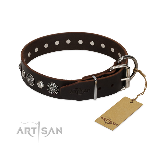 High quality genuine leather dog collar with rust resistant traditional buckle
